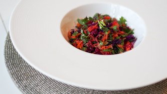Tangy carrot&red cabbage salad